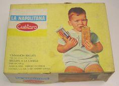 CAJA DE GALLETAS NAPOLITANA DE CUETARA AÑOS 60 / 70  