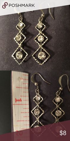 Fashion jewelry earrings Gorgeous Silver rhinestone earrings Accessories
