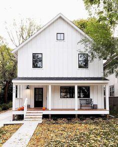 Cool 50 Modern Farmhouse Exterior Design https://decorapatio.com/2017/09/04/50-modern-farmhouse-exterior-design/