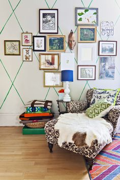 Ideas Wall Pattern Diy Tapes Apartment Therapy For 2019 Sharpie Wall, Sharpie Paint, Paint Pens, Deco Kids, Wall Patterns, Painted Patterns, Style Vintage, Interior Exterior, Paint Designs