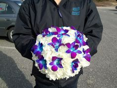white hydrangea and blue dendrobium orchids