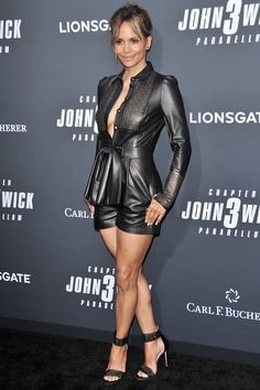 Halle Berry attends Special Screening of Lionsgate's 'John Wick: Chapter 3 - Parabellum' in Hollywood Estilo Halle Berry, Halle Berry Style, Hally Berry, Jenifer Aniston, Leder Outfits, Style Outfits, Sexy Legs And Heels, Looks Black, Black Women