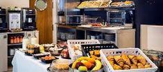 Resultado de imagen de fotos buffets desayunos NH hoteles Styling A Buffet, Buffets, Chicken, Hotels, Breakfast, Pictures, Buffet, Sideboard, Cubs