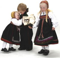 Da blir det barnebunad her og! - Page 2 Folk Costume, Costumes, Beautiful Outfits, Norway, Scandinavian, Going Out, Most Beautiful, Barn, Hipster
