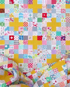 Scrappy Cross Quilt and Tutorial | © Red Pepper Quilts 2020 Jellyroll Quilts, Lap Quilts, Scrappy Quilts, Quilting Projects, Quilting Designs, Quilting Ideas, 16 Patch Quilt, Irish Chain Quilt, Quilt Block Patterns