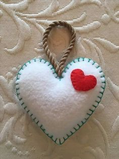 Felt crafts, felt ornament, Valentine, heart, made by Janis Felt Crafts Patterns, Felt Crafts Diy, Craft Gifts, Fabric Crafts, Crafts To Make, Sewing Crafts, Valentines Bricolage, Valentine Day Crafts, Valentine Heart