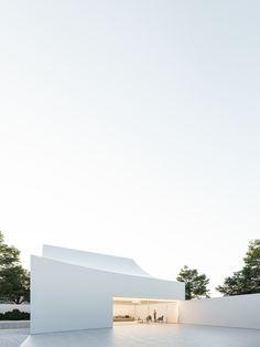 New project | Fran Silvestre Arquitectos Interiores Design, Villas, Modern Architecture, Minimalism, Houses, Deco, Arquitetura, Minimalist Architecture, Facades