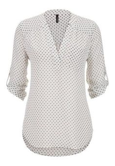 the perfect blouse in floral print- maurices Work Attire, Printed Blouse, Corsage, Blouse Designs, Cute Outfits, Plus Size, Shirt Dress, Fashion Outfits, Clothes For Women
