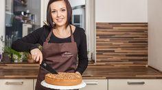 V listopadu pro vás bude za české blogery vařit sympatická Martina, která si i přes zájem o zdravou stravu sem tam ráda dopřeje kousek poctivého českého koláče. Třeba právě takového, jaký vás dnes naučí!