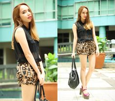 Forever 21 Black Buttondown Top, Forever 21 Printed Shorts, Mango Carry All Bag