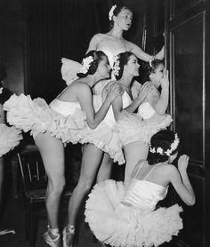 Paris Conservatory, circa 1948. #art #photography #ballet #ballerina #dance #vintage #retro #tutu
