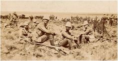 Military blunders of the Boer War – led by men of stunning ineptitude, who cost many brave men their lives, probably prolonged the war - War Historical Photos British Army Uniform, British Soldier, World Conflicts, World 7, History Online, War Photography, British Colonial, Historical Pictures, Guerrilla