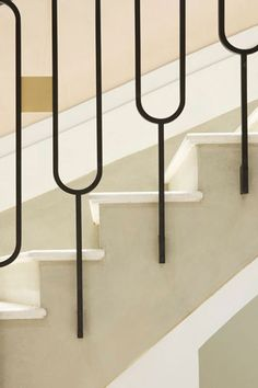 Stair Railing Ideas Stair detail in Chloé's Paris flagship shop by Joseph Dirand.Stair detail in Chloé's Paris flagship shop by Joseph Dirand. Interior Stair Railing, Stair Handrail, Staircase Railings, Staircase Design, Stairways, Staircase Ideas, Railing Ideas, Metal Railings, Spiral Staircases