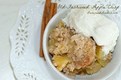 Easy Apple Crisp Recipe -- This has always been one of my favorite desserts - it has fruit - it's healthy, right!    http://www.barnsandnoodles.com/easy-apple-crisp-recipe/