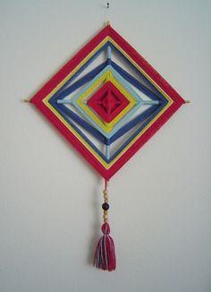 para a porta da maternidade... Home Crafts, Diy And Crafts, Arts And Crafts, Mandala Design, Mandala Art, God's Eye Craft, Gods Eye, Gypsy Decor, Crochet Mandala