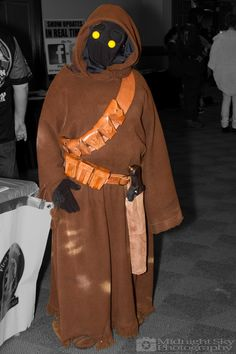 #Jawa from #StarWars #Cosplay from #SteelCityCon #ComicCon ----- Check out more of my photography @ http://www.facebook.com/MidnightSkyPhotography (Link in Profile) ----- #MidnightSkyPhotography #MidSkyPhoto