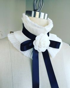 Detachable SILK COLLAR/Ruffle Collar/Pleated Collar/High collar/Ruffled scarf/Detachable collar/Black and White/Neck piece/WHITE Silk collar Collar And Cuff, High Collar, White Silk, Black Satin, Camelia Chanel, Pelo Vintage, White Camellia, Ribbon Jewelry, Diy