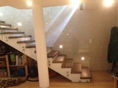 Formstep Treppen - Modell Laser mit Holzstufen und Glasgeländer Stairs, Design, Home Decor, Spiral Stair, Scale Model, Stairway, Decoration Home, Staircases, Room Decor