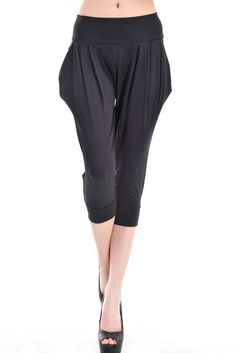 Dear-Lover Wholesale Black Cropped Harem Trousers is the classical design harem pants. Elegant fitting and cheap price available on Dear-Lover.com. Welcome to order!