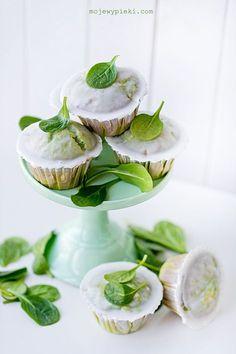 Bardzo dobre, delikatne i trochę za słodkie jak na dodatek lukru. Muffiny szpinakowo - cytrynowe z jabłkami | Moje Wypieki