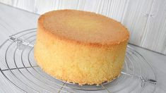 Victoria Sponge Cake, Sponge Cake Recipes, Pan Dulce, Specialty Cakes, Russian Recipes, Cake Tins, Cookbook Recipes, Easy Cooking, Vanilla Cake