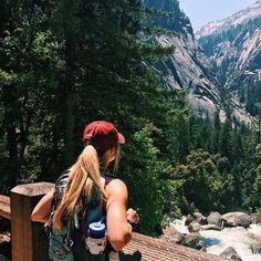 hiking pictures couple and hiking pictures It& nice to hike once in a while. Travel Photography Tumblr, Photography Beach, Hiking Photography, Photography Basics, Adventure Photography, Photography Ideas, Summer Aesthetic, Travel Aesthetic, Adventure Awaits