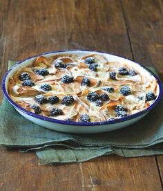 Baked pears and blackberries Baked Pears, Blackberry, Cereal, Oatmeal, Pie, Sweets, Healthy Recipes, Baking, Breakfast