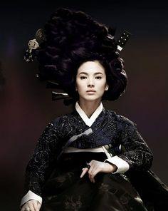 """Song Hye Kyo as """"Hwang Jin Yi"""" Gisaeng hanbok"""