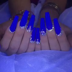 One Of The Biggest Celebrities Trend Right Now Coffin nails long started as a trend amongst celebrities, but have since Blue Coffin Nails, Bling Acrylic Nails, Summer Acrylic Nails, Best Acrylic Nails, Bling Nails, Swag Nails, Gel Nails, Nail Polish, Blue Nails Art