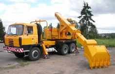 Fitted with a Truck mounted Gradall Excavator. Tow Truck, Big Trucks, Heavy Equipment, Motor Car, Cars And Motorcycles, Tractors, Automobile, Monster Trucks, Vehicles