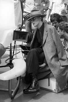"night-spell: ""  On the set of The Man Who Fell to Earth, LA 1975 © Terry o'Neill 