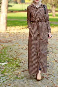 Latest Check Style Abayas for Muslim Girls – Girls Hijab Style & Hijab Fashion Ideas Abaya Fashion, Modest Fashion, Women's Fashion Dresses, Fashion Muslimah, Fashion Fashion, Fashion Ideas, Modest Wear, Modest Outfits, Emo Outfits