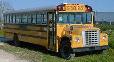 Really great site on this gentleman's step by step on his 'skoolie' and links that helped him! School Bus Camper, Old School Bus, School Bus Drawing, Astro Van, International Harvester Truck, School Bus Conversion, Vintage School, Diy Camper, Bus Stop