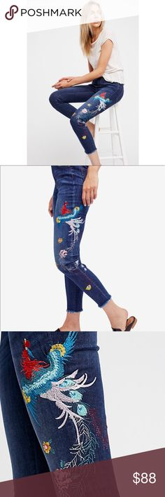 Free people embroidered ankle skinny jeans New with tag. No trades 🌹 Free People Jeans Ankle & Cropped