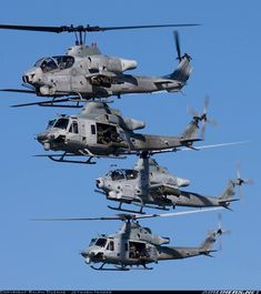 USMC, two and four blade cobras! Helicopter Pilots, Attack Helicopter, Military Helicopter, Military Aircraft, Military Weapons, Military Equipment, Air Show, Panzer, War Machine