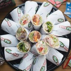 Pita Pit, Calorie Calculator, Healthy Food, Healthy Recipes, Greek Chicken, Crepes, Fresh Rolls, Catering, Street
