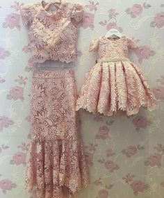 Mommy and Daughter Outfit 🏆 Mother Daughter Matching Outfits, Mother Daughter Fashion, Mom Daughter, Fashion Kids, Little Girl Dresses, Flower Girl Dresses, Robes Tutu, Dress Anak, Baby Couture