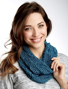 Yarnspirations.com - Patons Drapey Cowl  - Patterns  | Yarnspirations