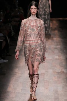 Valentino Spring 2015 Ready-to-Wear - Collection - Gallery - Look 1 - Style.com