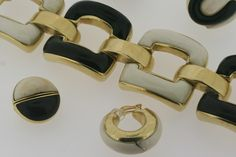 Link by link, gold bracelets crafted by Vaubel Designs are created with care. #vaubel #vaubeldesigns #luxury #luxe #luxuryjewelry #jewelry #goldbracelet #bracelets #gold #goldcuff #goldlinks #goldchainlink #chainlinkbracelet #chainbracelet #goldbracelet #womensfashion #womensjewelry #beauty #beautiful #artisan #newyork