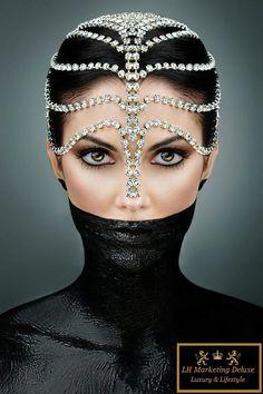 Sexy Black & White - newyork-witch: this :) Swarovski crystal headdress. Or diamonds? Black body paint halfway up the face. Style Feminin, Look Dark, Glamour, Model Photographers, Diamond Are A Girls Best Friend, Headdress, Body Jewelry, Head Jewelry, Face Jewellery