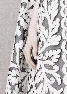 couture details, floral patterns, formal dress, alexander mcqueen couture 2014, fashion detail, design hunter, vampir grin, alexand mcqueen, white gowns