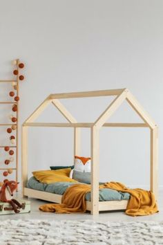 33 Adorable Kids Floor Bed Design Ideas That Looks So Awesome - Why is it that a bunk bed is so popular with kids? Remember when you were little how exciting it was to climb onto the top bunk in your friend's bedro. House Beds For Kids, Kid Beds, House Frame Bed, Bed Frame, Childrens Single Beds, Toddler Floor Bed, Toddler House Bed, Teepee Bed, Diy Bett