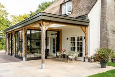 Screened Porch Designs, Glass Room, Garden Office, House Extensions, Outdoor Living, Outdoor Decor, Terrazzo, Sunroom, Garden Inspiration