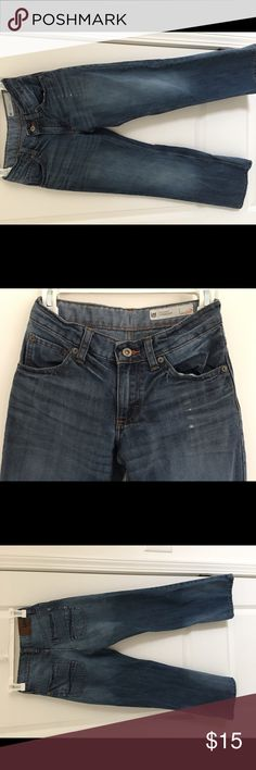 Boys Relaxed fit Lee size12 jeans You Are Buying Boys Relaxed fit Lee size12 jeans.         It is in great pre-own Condition. Fast shipping in the USA via USPS.  FEEDBACK: we strive to earn positive 5 star feedback for all items. And we will leave the same for all good buyers.  If you feel we deserve anything less please send us a message before leaving anything less or opening a case and we will fix the issue within 24 hours.   Thank you!!! Lee Bottoms Jeans