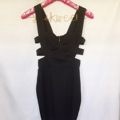 ✨JUST LISTED: Cutout Bodycon This LBD is so flattering & sexy! • cutout sides • zipper closure on back • 2nd photo shows closeup of sweetheart neckline • Reasonable offers are welcomed Dresses Mini