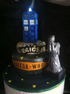Doctor Who Cake with Weeping Angel