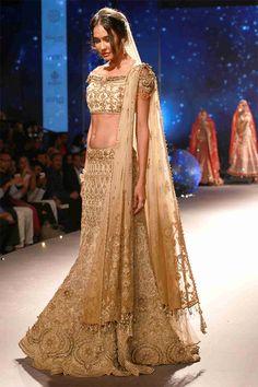 Lisa Haydon in a beautiful bridal attire at the BMW India Bridal Fashion Week event.