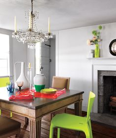 Neutrals with bright colors in the dining room. #coloreveryday