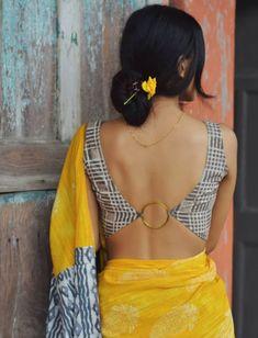 Blouse Back Neck Designs, Best Blouse Designs, Latest Saree Blouse Designs, Blouse Styles, Scarf Styles, Choli Designs, Choli Blouse Design, Mehndi Designs, Stylish Blouse Design